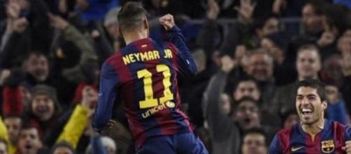 La joie de Suarez et Neymar à la 42ème minute.