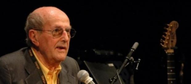 Manoel de Oliveira faz 106 anos e estreia filme