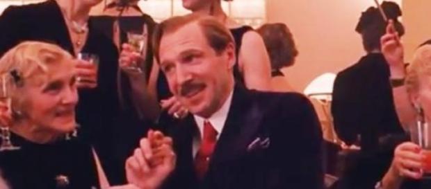 "Ralph Fiennes en ""El gran hotel Budapest"""
