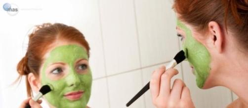 Consiente tu piel con mascarillas caseras