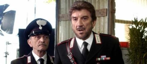 Il brigadiere Cacciapuoti dietro Maresciallo Rocca