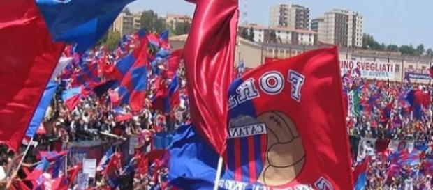 Calcio Livorno-Catania, vietato sbagliare