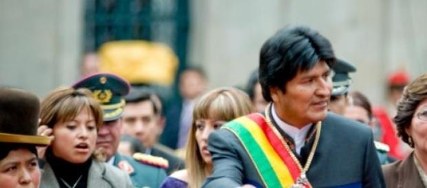 Evo Morales contra el sobrepeso.