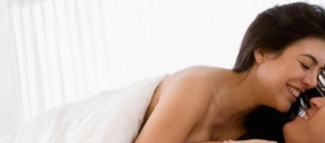 La coppia sotto le lenzuola