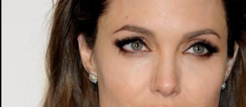 Angelina Jolie criticada por directivos de Sony.