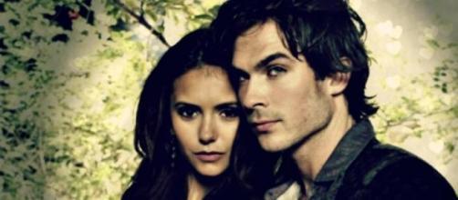 Damon y elena cada vez más alejados.