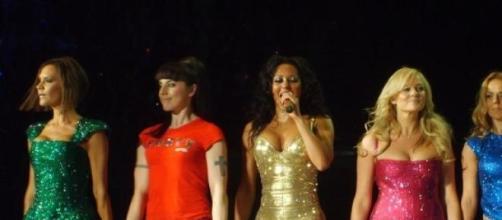 Mel B insieme alle Spice Girls