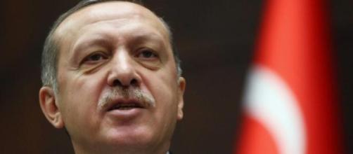 Governo de Erdogan é marcado por nova polémica.