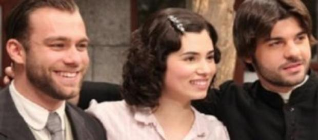 Fernando, Maria e Gonzalo protagonisti della soap.