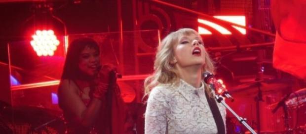 """""""1989"""", de Taylor Swift, é o melhor álbum de 2014."""
