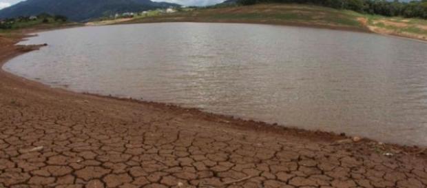 Reservatório da Cantareira em colapso