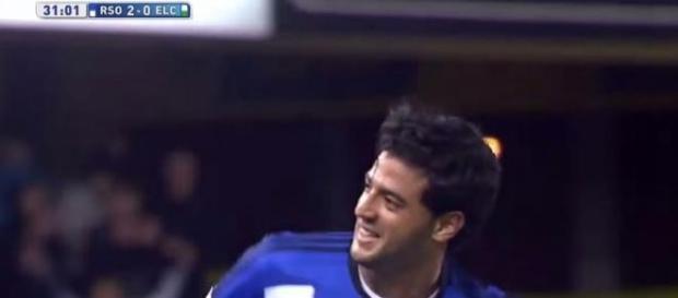 Carlos Vela celebrando un gol