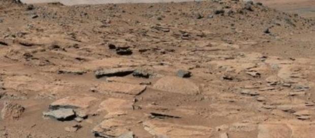 Curiosity : un grand lac dans le cratère de Gal