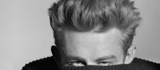 El actor James Dean en una de sus míticas fotos