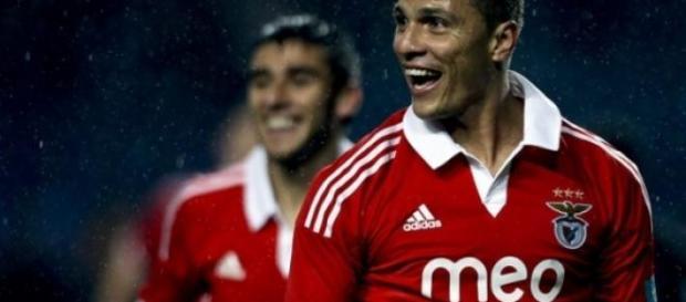 Lima apontou os dois golos no Dragão.