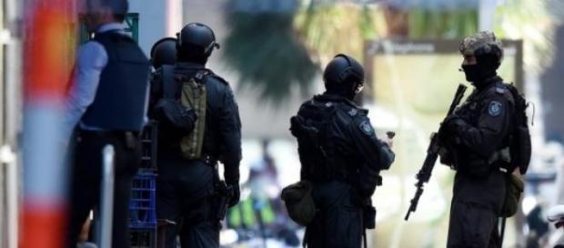 Sydney Police stop the siege