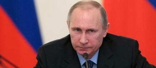 Il presidente russo Putin e il crollo del rublo