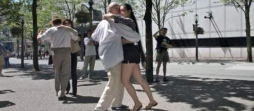 78 anni festeggiati col tango