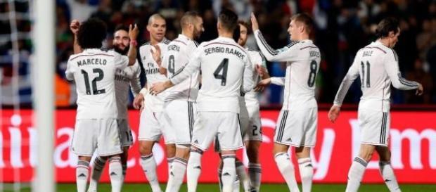 Los blancos celebran el segundo gol. Foto: RM