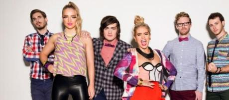 A banda australiana estreia-se em Portugal.