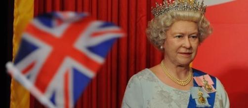 La reina Isabel II podrìa abdicar.