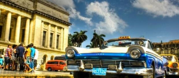 Cuba carece de democracia e comércio exterior