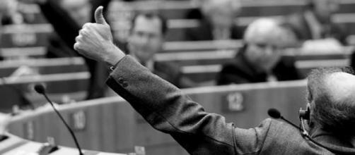 Al via il piano Juncker le reazioni della politica