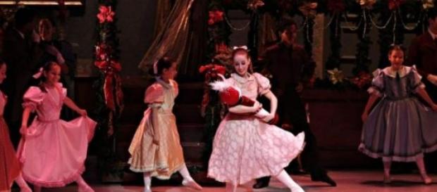 Cisne Negro Cia de Dança apresenta O Quebra-Nozes
