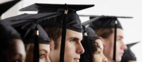 Universitarios en busca de una oportunidad