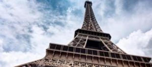 La Torre Eiffel con i suoi 325 metri d'altezza