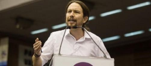 Iglesias pide derecho a decidir sobre todo