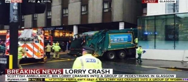 Seis personas muertas arrolladas en Glasgow