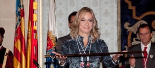 La Alcaldesa de Alicante renuncia en un red social
