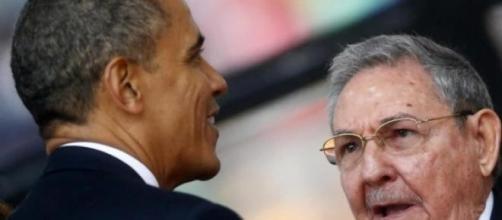 Los presidentes Barack Obama y Raúl Castro