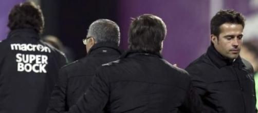 Marco Silva e Bruno de Carvalho de costas voltadas