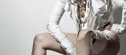 photo JON ENOCH - Intrégrer la prothèse