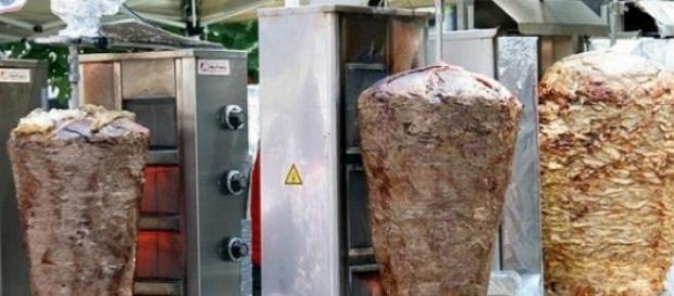 El Kebab, carne asada insertada en un pincho