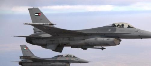 EI reclama abate de F-16 jordano na Síria.