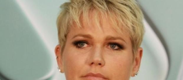 Xuxa sem espaço na Globo busca se reinventar na tv