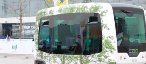 Autobús automático EZ-10. Un paso al futuro