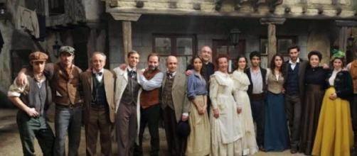 Nella foto: il cast della soap Il Segreto
