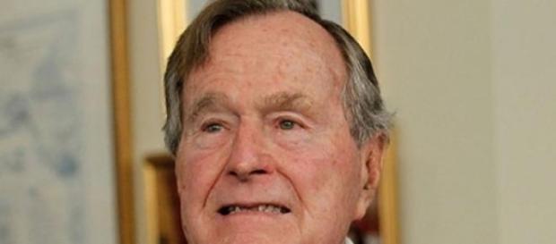 Georges W.H.Bush toujours hospitalisé
