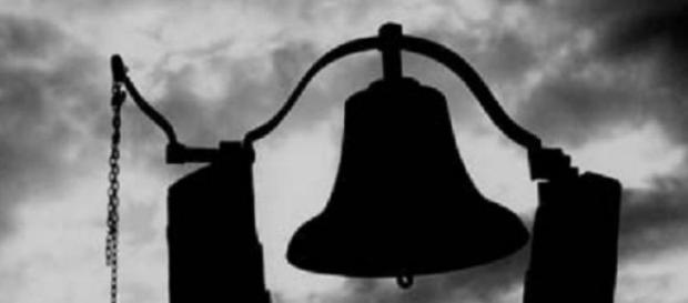 Replicar de campanas en la misa de Navidad