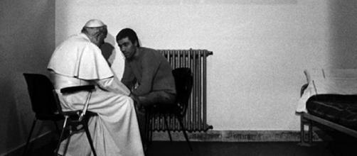 L'incontro fra Agca e Papa Wojtyla