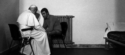 L'incontro fra Wojtyla e Ali Agca