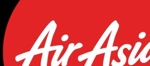 Avião da Air Asia desaparece