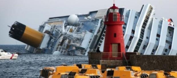 Immediato il pensiero al naufragio della Concordia