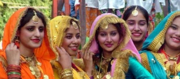 india indiene sarii casatorii obiceiuri traditii