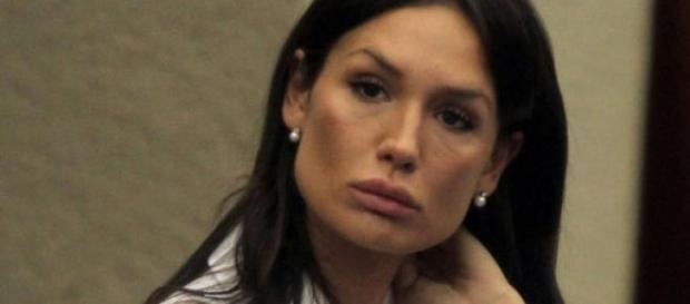 Nicole Minetti non parte per l'Isola dei famosi.