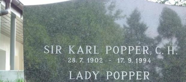 Tumba del filósofo Karl Popper